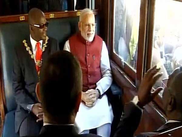 Modi-in-Train1