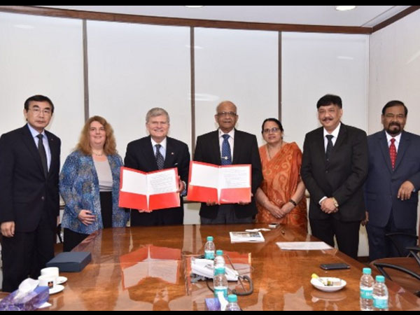 Boston-malipal-universities-signs-Mou-1